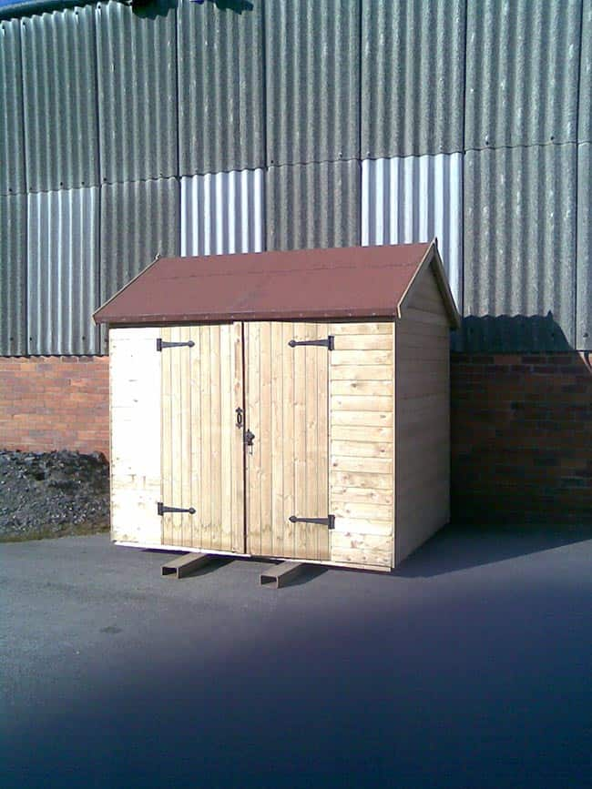 Insulated shed exterior