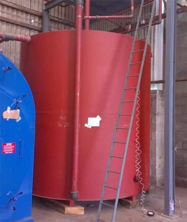 water tank with vapourised rubber coating